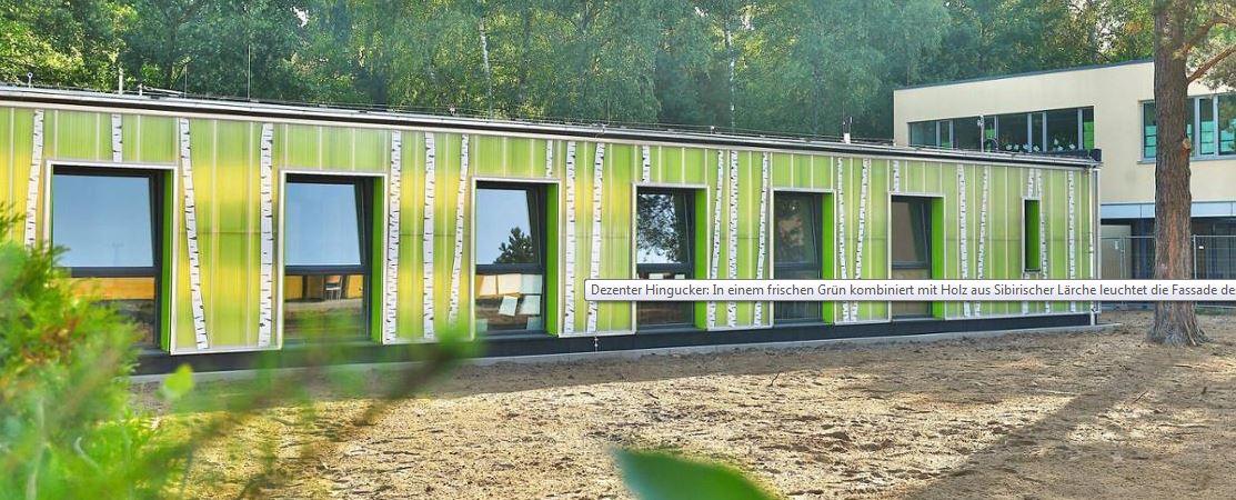 gruner-pavillon-schafft-platz